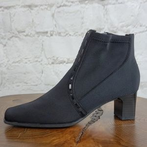 Life Stride stretch fabric ankle boot size 6 1/2
